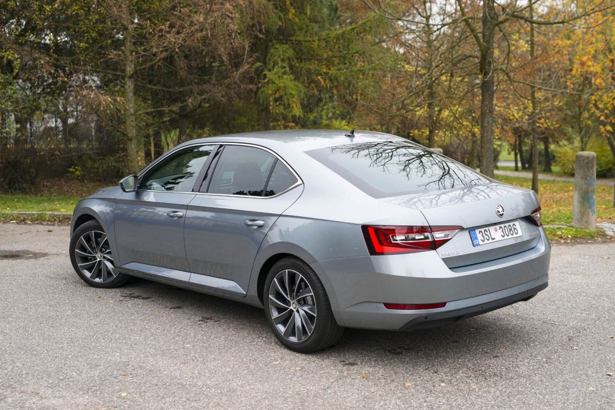 SKODA_Superb_2.0TDi_L&K-011