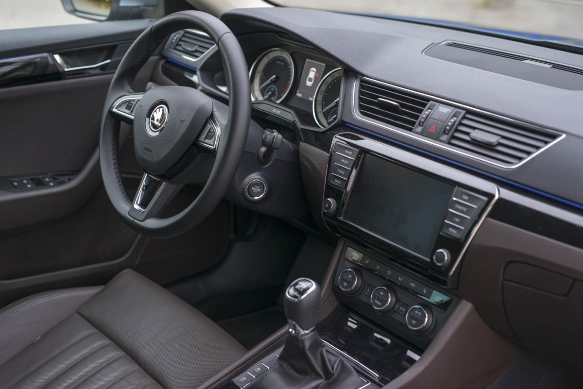 SKODA_Superb_2.0TDi_L&K-049